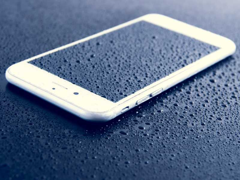 Limpiar la pantalla del móvil táctil