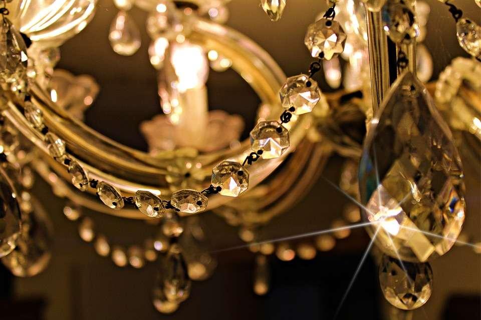 Limpiar lámparas de cristal