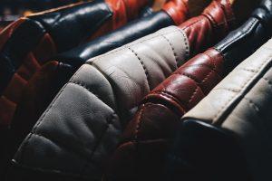 Llimpiar chaqueta de cuero en casa